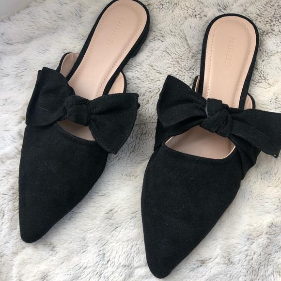 da1034ab7f0 Forever 21 black bow mules